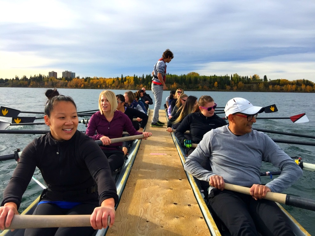 Ranchlands Dental team rowing along the bow river